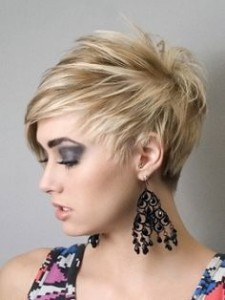 short-hairstyle-for-round-faces-Short elongating look