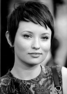 short-pixie-cut-hairstyle-for-winter
