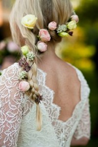 wedding-hairstyles-with-flowers-heavy-loose-pony