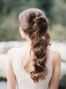 cascading-half-up-do-hairstyle-for-brides