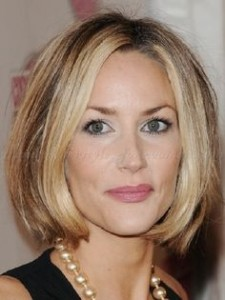 classy-blonde-bob-for-women-over-50