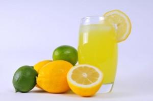 lemon-juice-home-remedie-for-dandruff