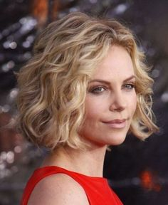 short-beach-waves-for-women-over-50