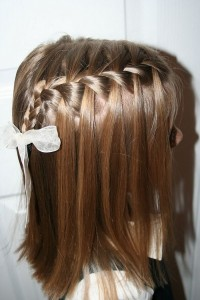 straight-waterfall-braid-for-brides