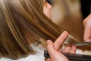 trimming-of-hair-for-fast-hair-growth