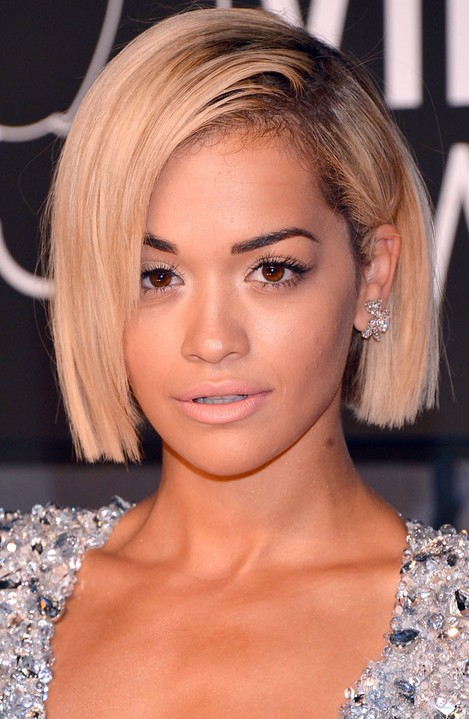 Short Hairstyles for women Chin length bob hairstyle