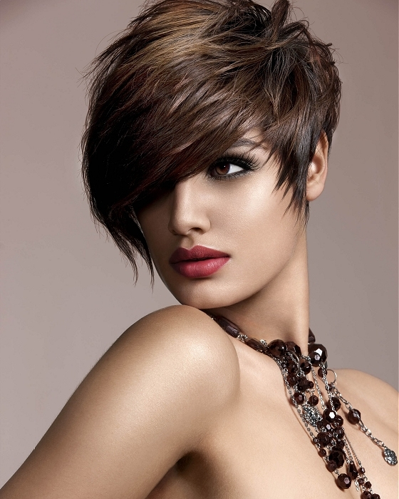 Short Hairstyles for women Featured pixie