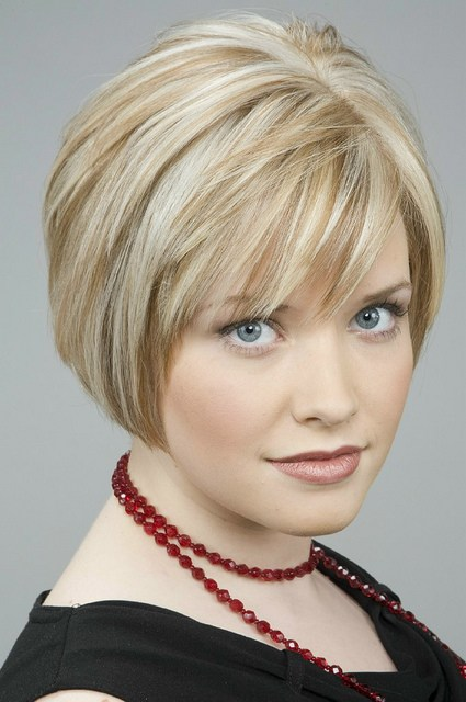 Short Hairstyles for women Short layered hairstyle