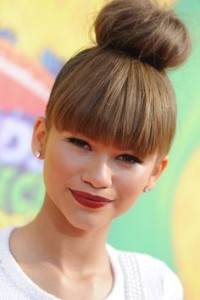 fringe-with-high-bun-hairstyle-of-zendaya-