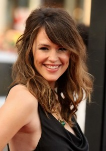 hairstyle-for-wommessy-pony-tail-for-women-in-30en-in-30-wave-cut