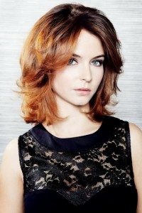 long-wavy-bob-hairstyle-for-holiday-party