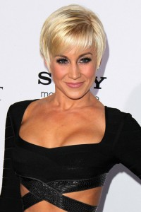 pixie-cut-with-bangs-hairstyle-for-spring-season