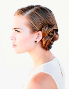 side-parted-flower-bun-hairstyles-for-holiday-party